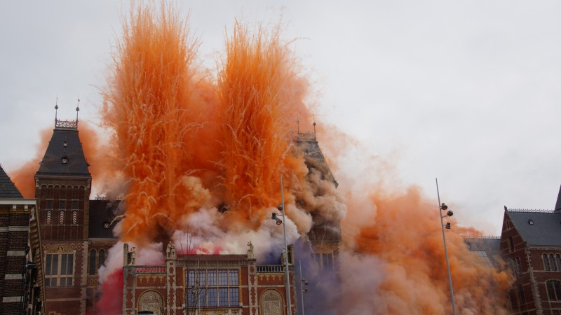 Koningin Beatrix geeft Rijksmuseum terug