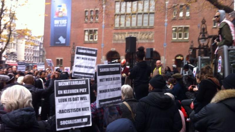 Honderden bij protest tegen Zwarte Piet
