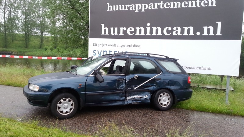 Ongeluk bij afrit A10, twee gewonden