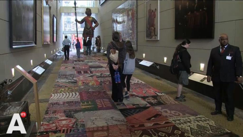 Amsterdam Museum start actie voor versleten tapijt