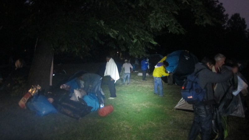 Asielzoekers breken tentenkamp Oosterpark op