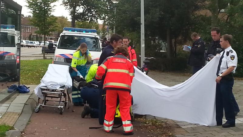 Fietser zwaargewond bij ongeluk Kamperfoelieweg in Noord
