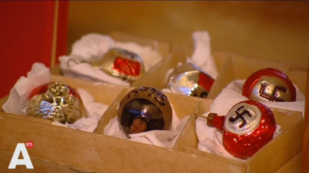 Nazi-kerstballen onder de hamer bij boekenveiling