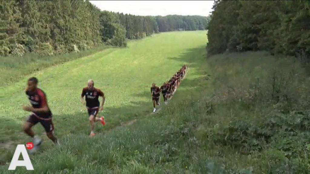 Ajax doet vijf rondjes Amsterdamse Bos: 'Kanonne!'