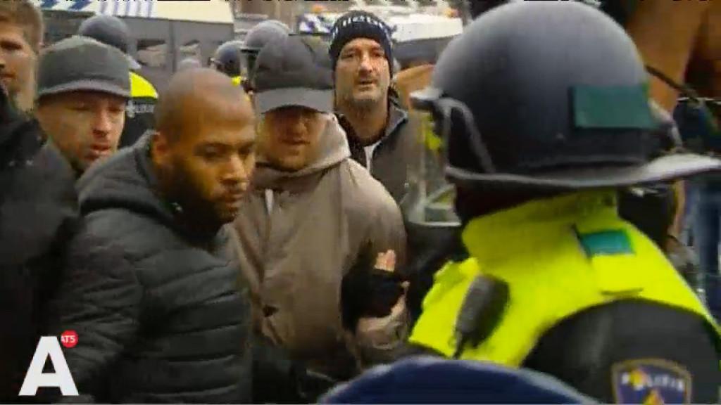 Arrestaties en vuurwerk bij beide demonstraties