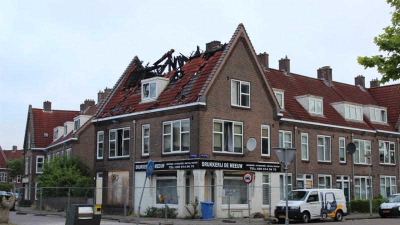 Instortingsgevaar na uitslaande brand in Noord