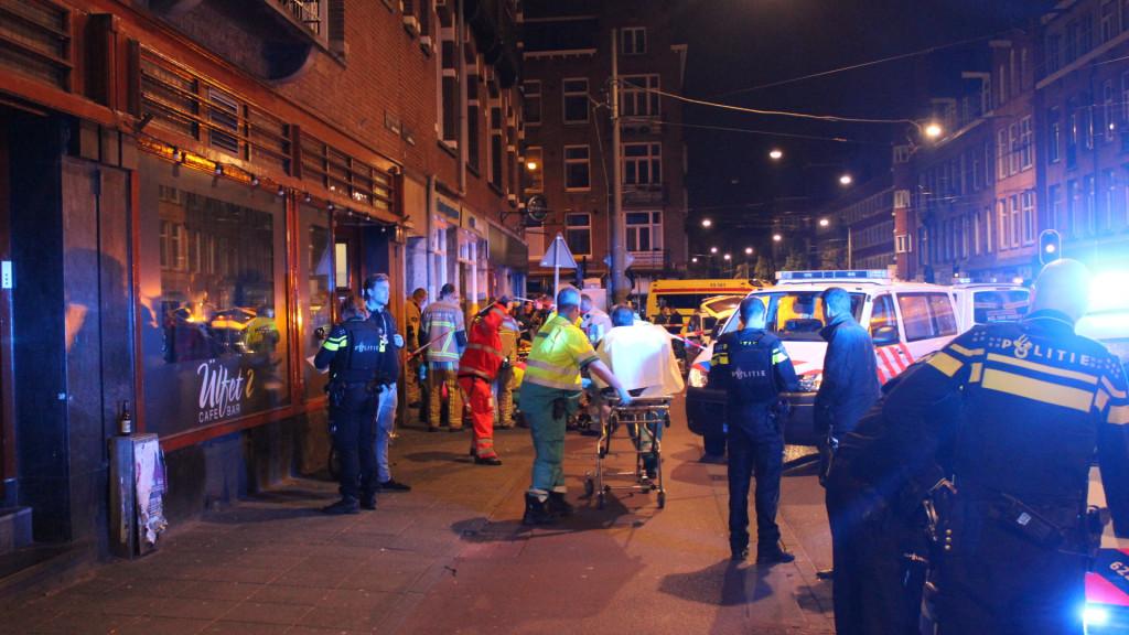 UPDATE: Dode en twee gewonden bij schietpartij Jan Evertsenstraat