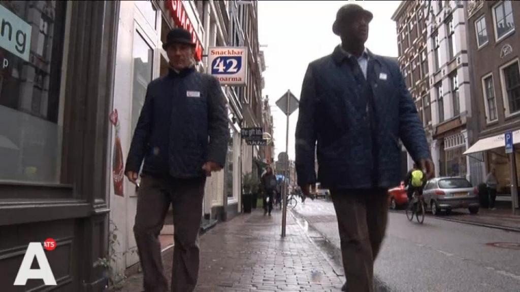 Coffeeshop in Haarlemmerstraat gaat overlast zelf te lijf