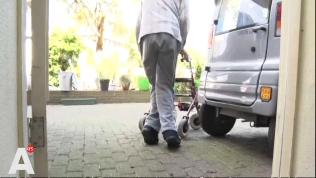 Van der Burg over Canta-rel: 'Jan kan gebruik maken van ov of een scootmobiel'
