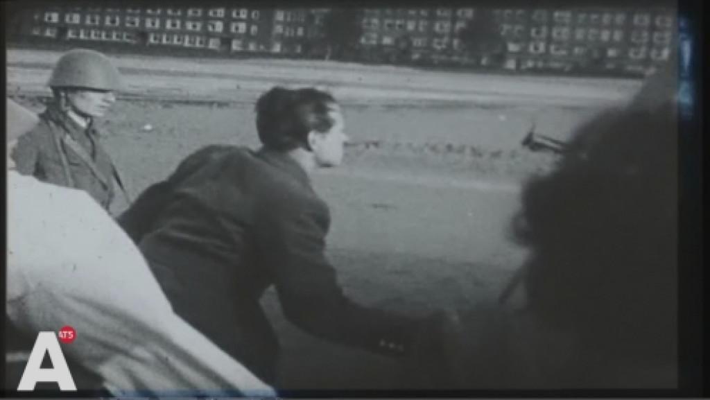 Beelden WO II opgedoken: vliegtuigje landt op Stadionkade