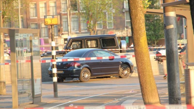 Vijf gewonden nadat auto over Stationsplein raast