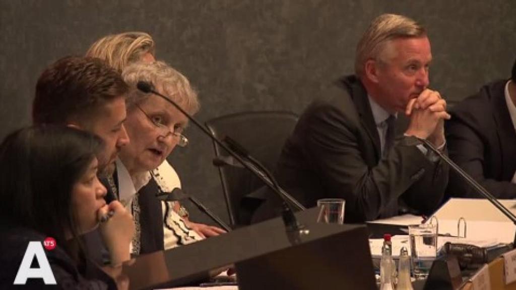 Burgemeester trekt boetekleed aan en erkent fouten rond erfpachtreferendum