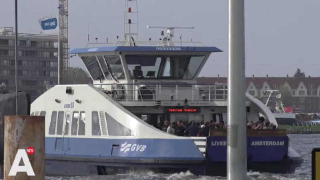 Petitie gestart om NDSM-pont tot later door te laten varen