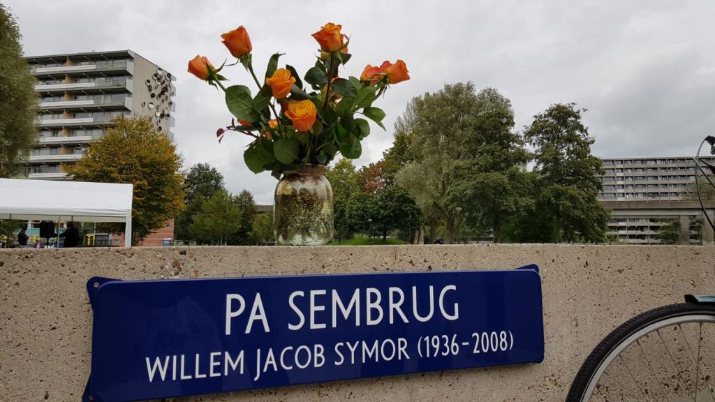 Pa Sembrug officieel onthuld: 'Emotionele bijeenkomst'
