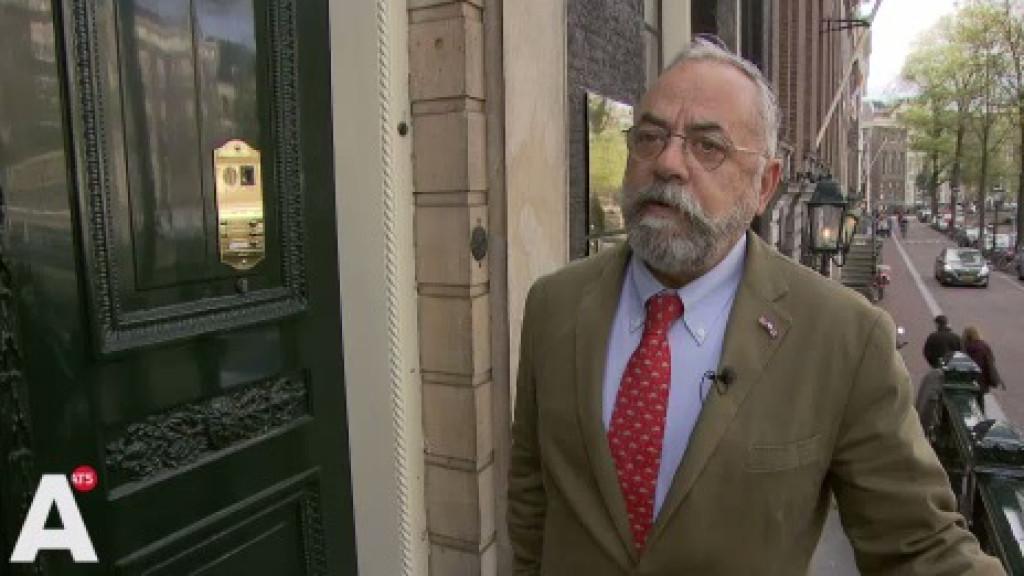 Kantoor van advocaat Oscar Hammerstein beklad met paarse verf