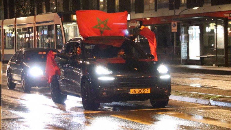 Plein 40-45 vol feestende Marokkanen na WK-kwalificatie