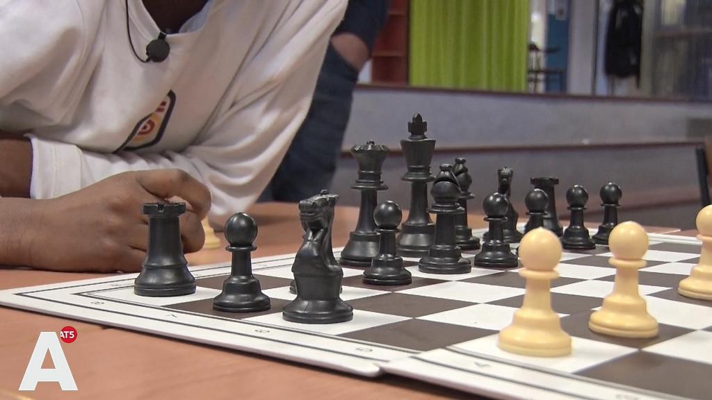 Liever schaken dan achter de PlayStation