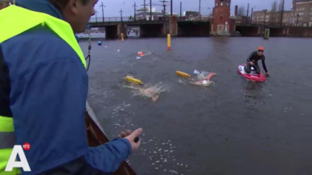 Eerste Amstel Ice Swim een succes: 'Lichaam kan het prima aan'