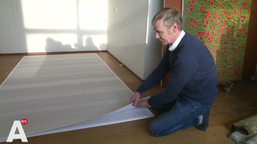 Bart maakte nieuw monument voor Kamp Westerbork: 'Ik schreef 102.000 namen op'