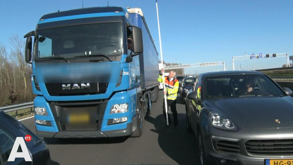 Coentunnel vier keer per dag dicht door te hoge vrachtwagens