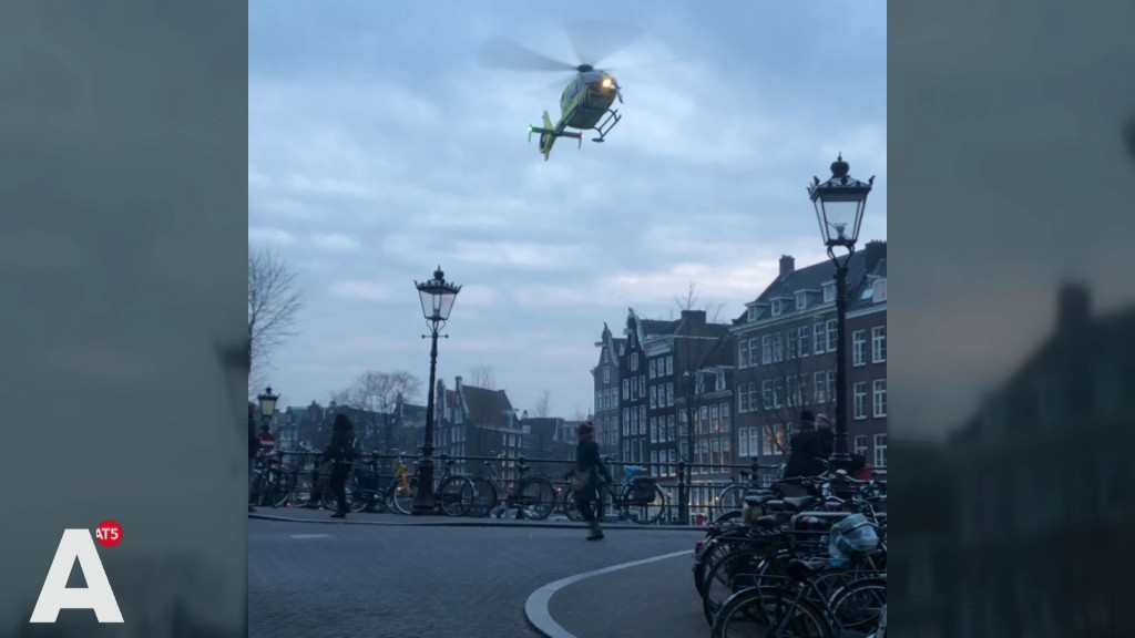 Landing van traumaheli op brug Prinsengracht was eigenlijk 'koud kunstje'