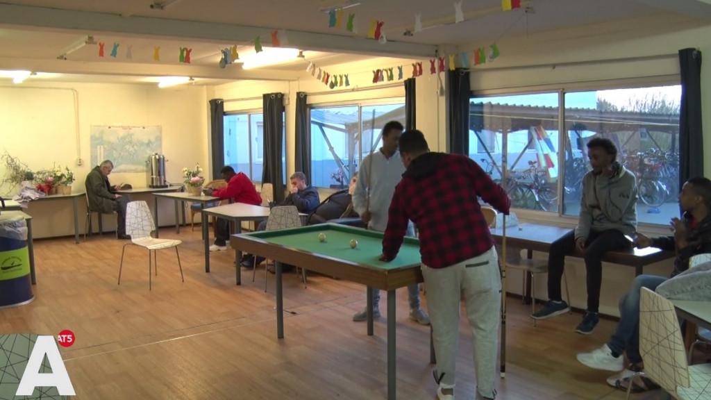 Asielopvang in Groningen: eigen kamer, 30 euro per week en 24 uur onderdak