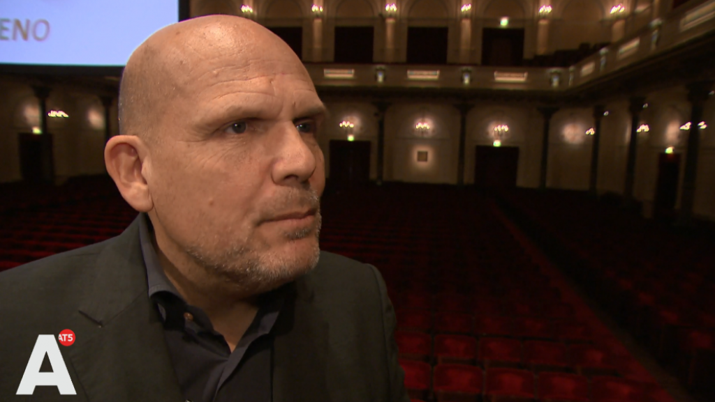 Dirigent Jaap van Zweden lanceert app voor autistische kinderen om 'eenzaamheid te bestrijden'