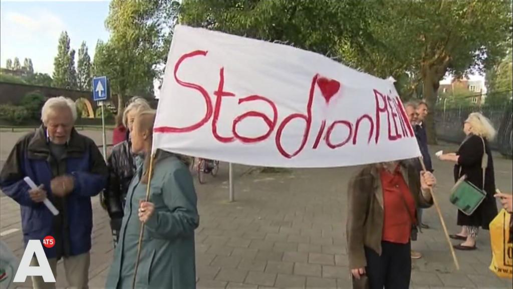 Lawaaidemonstratie tegen 'volstrekt belachelijke' naamswijziging Stadionplein
