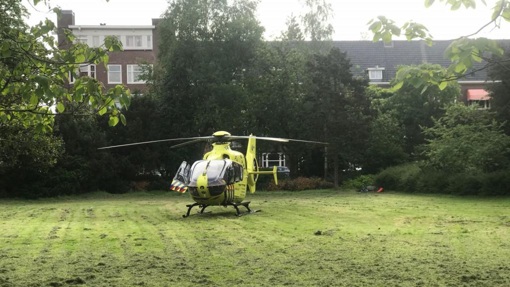 Scooter botst met fietser in Zuid: twee gewonden