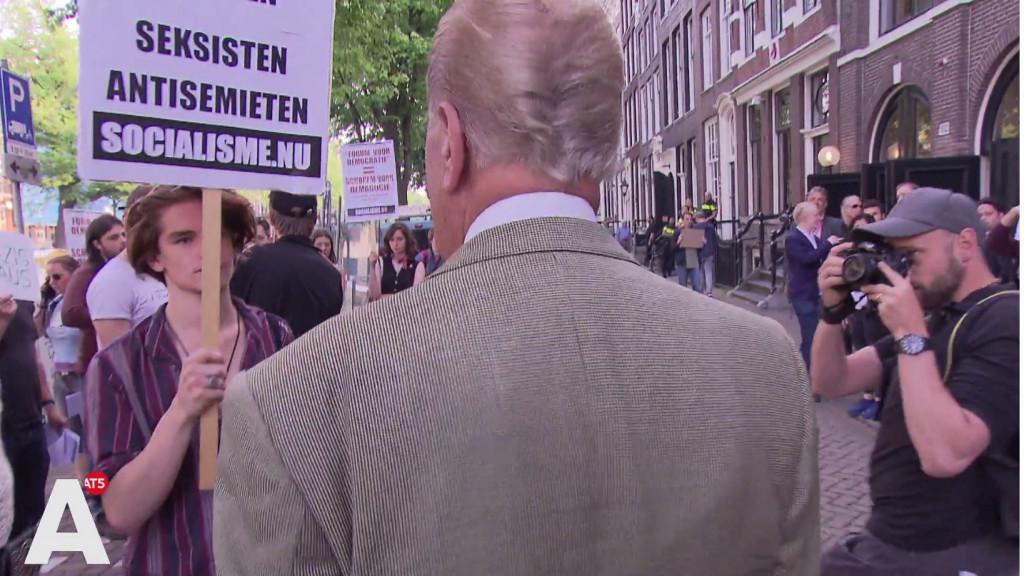 Hiddema lacht demonstranten weg: 'Laat ze teruggaan naar hun troosteloze clubhuizen'