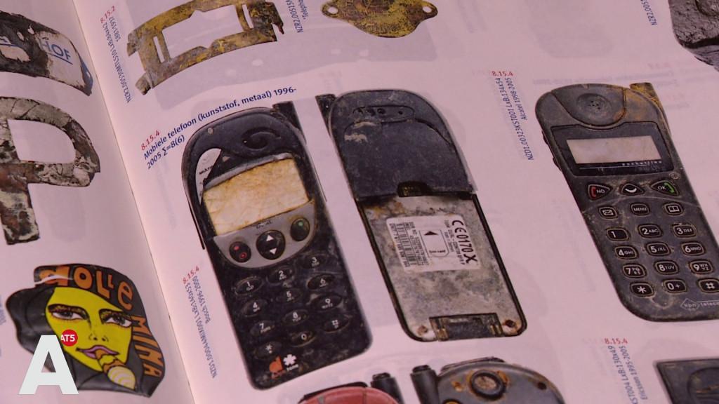 Van pistolen tot telefoons: de vondsten van de Noord/Zuidlijn