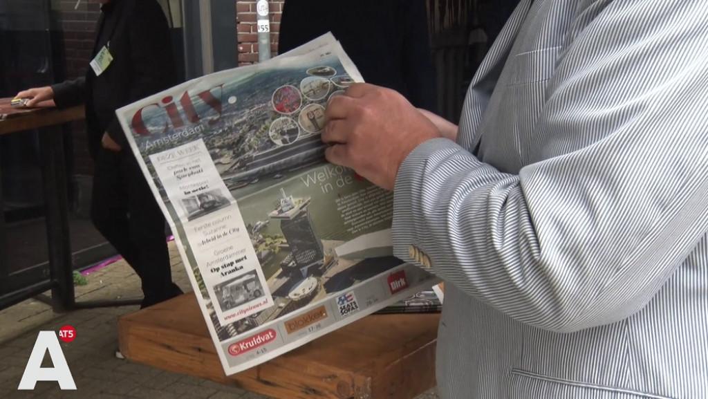 Oud-hoofdredacteur Telegraaf Sjuul Paradijs omzeilt streng folderbeleid