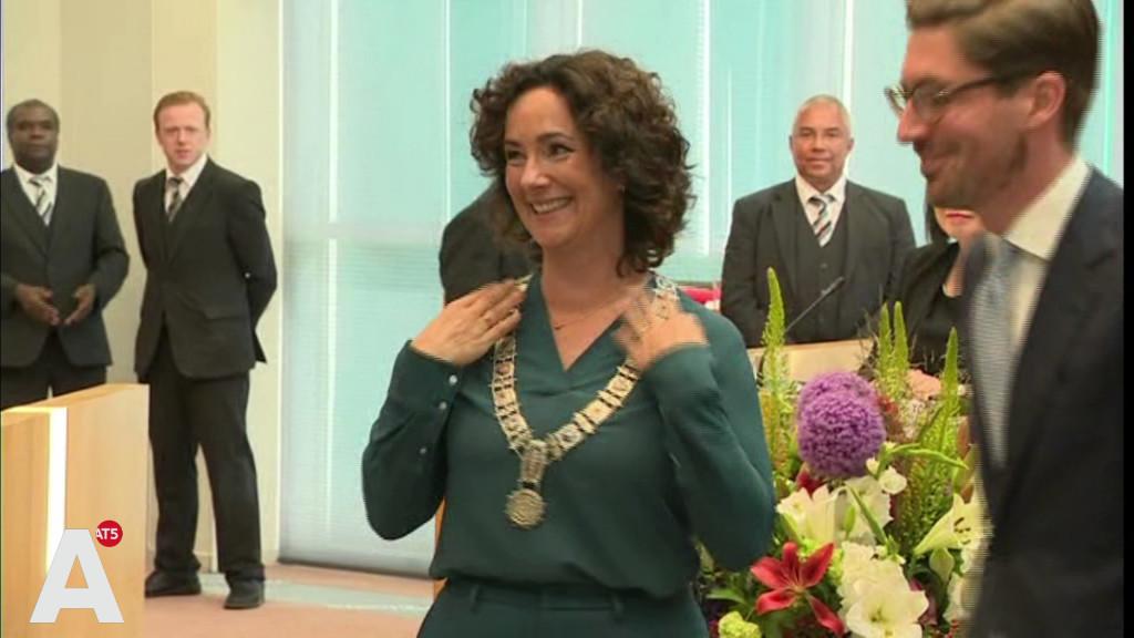 Femke Halsema beëdigd als burgemeester: 'Verdoofd maar enorm opgetogen'