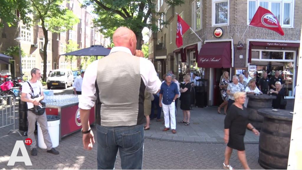 Bruine café De Amstel viert tachtigjarig bestaan: 'Lekker ouderwets blijven'