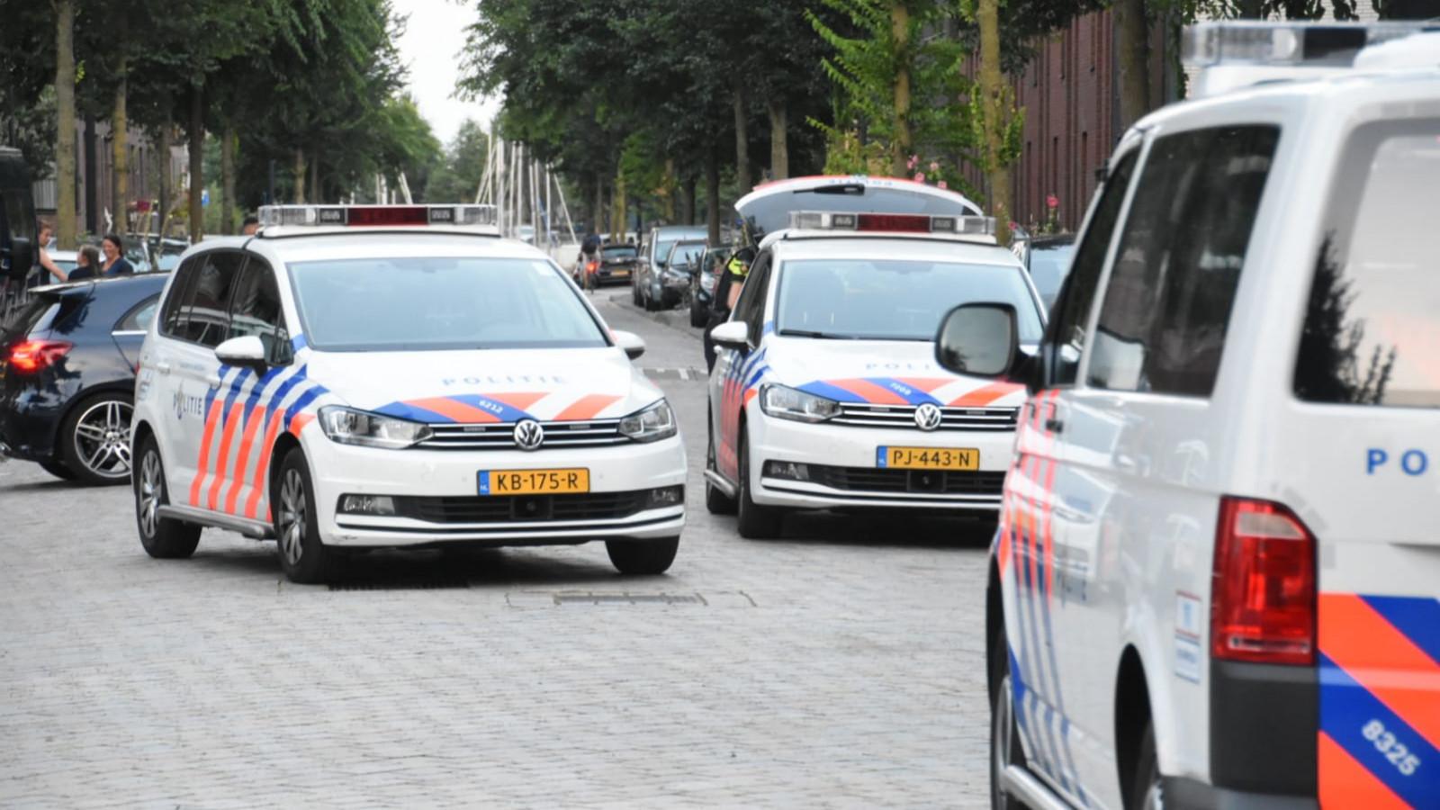 Politieheli Vliegt Tijd Boven Ijburg Na Melding Van Jongens Met