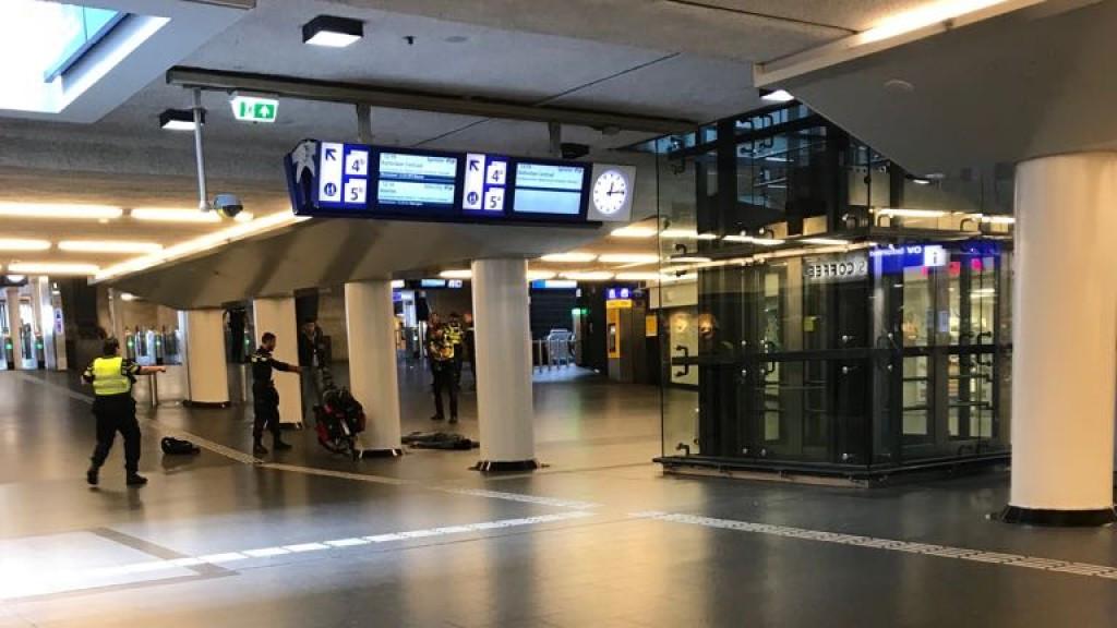 Slachtoffer aanslag Centraal Station door dwarslaesie in rolstoel