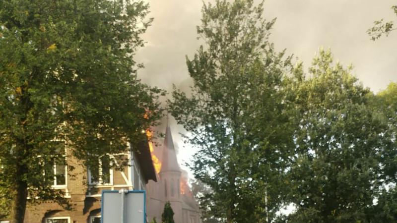 kerk brand, bovenkerk Noorddammerlaan, urbanuskerk, 15 september 2018