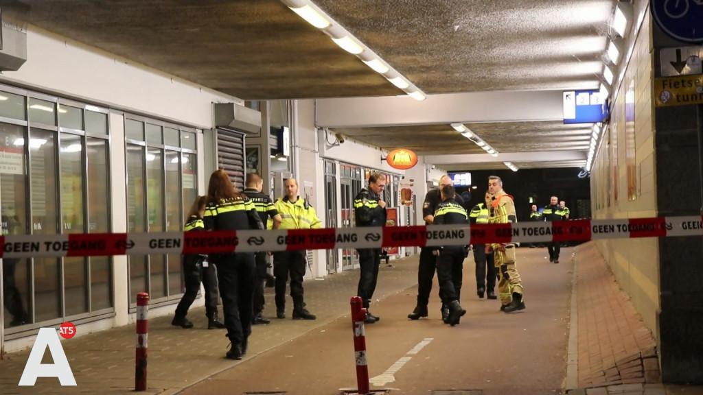 Zwaar vuurwerk gebruikt bij inbraak Kiosk Station Muiderpoort