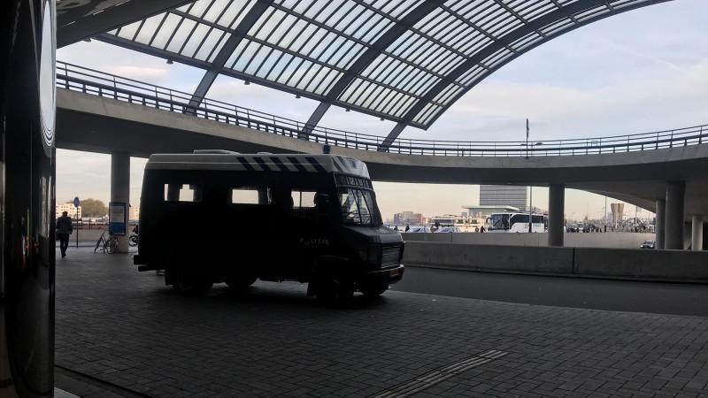 ME op Amsterdam Centraal