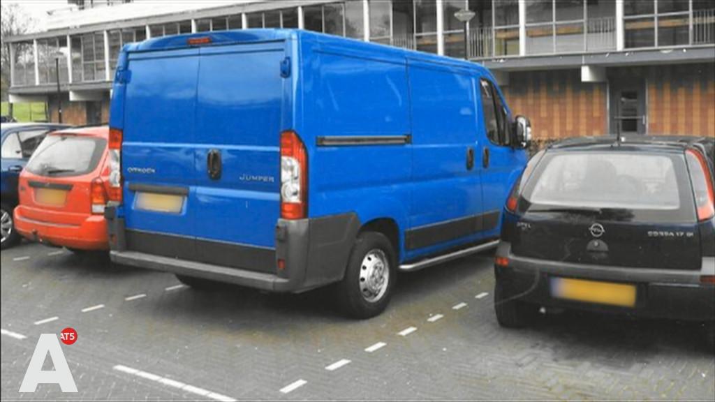Agenten die toevallig in de buurt zijn voorkomen ontvoering in De Bijlmer
