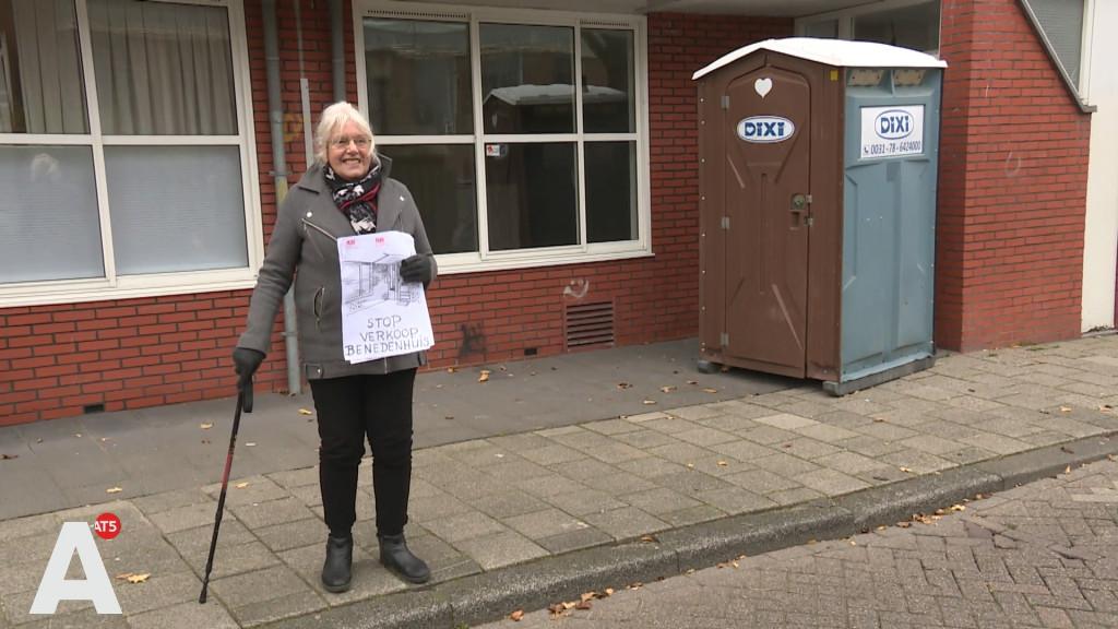 Loes (81) voert actie tegen verkoop sociale huurwoningen
