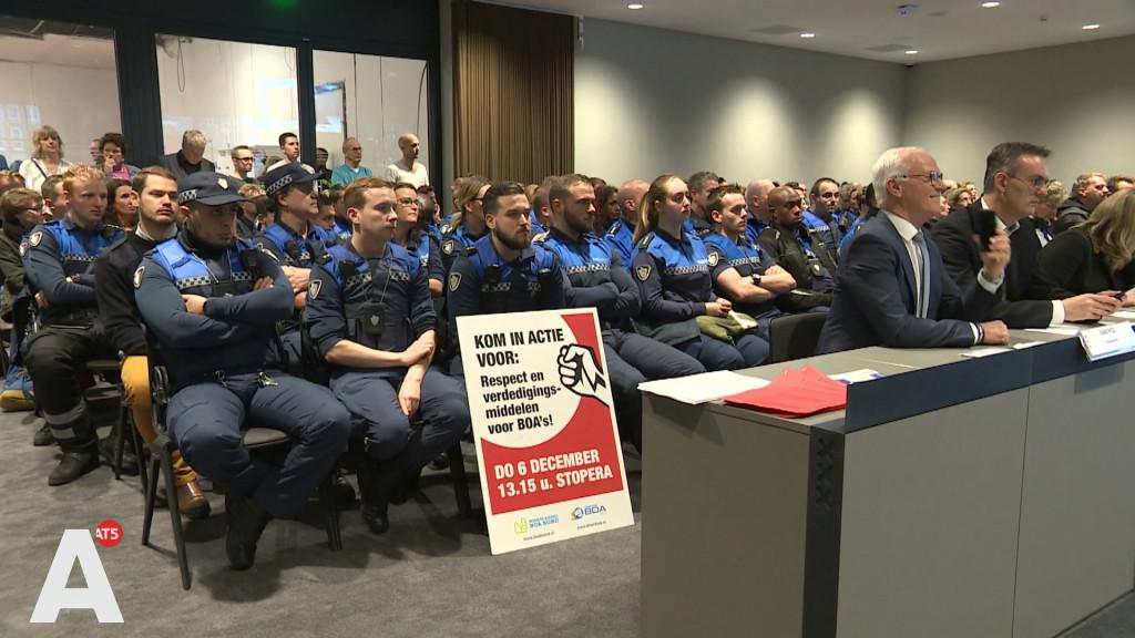 BOA's willen wapenstok en pepperspray: 'Wij komen dagelijks in de frontlinie'
