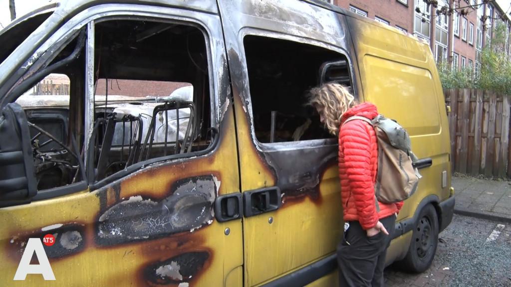 Camper van Jonas in Noord verwoest door brand: 'Zo ontzettend jammer'