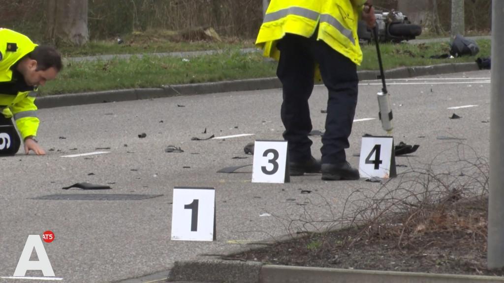 Twee zwaargewonden bij ernstige aanrijding voor Amstelveen College