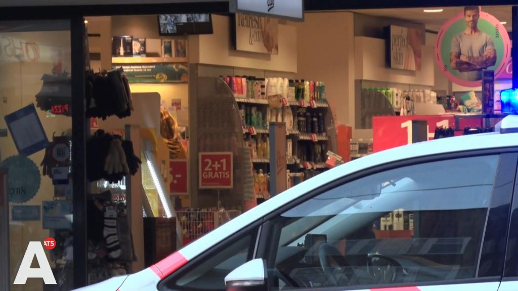 Vrouw overmeestert winkeldief op het Mercatorplein