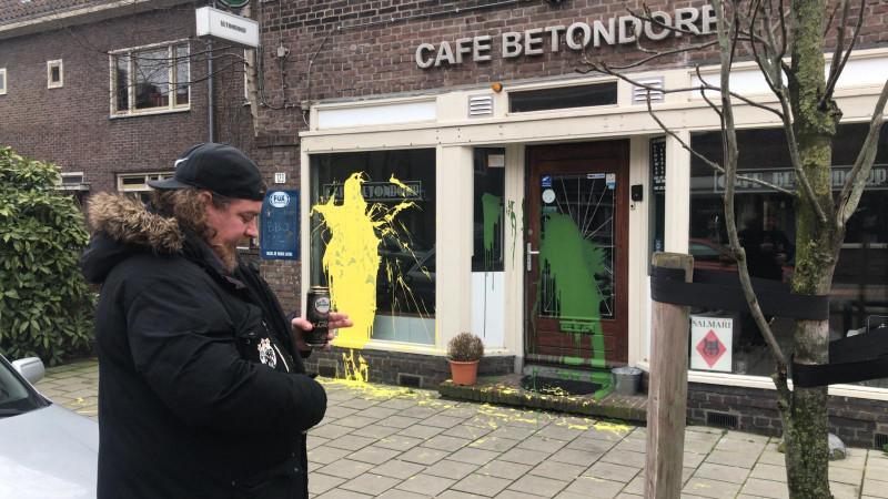 Café Betondorp beklad