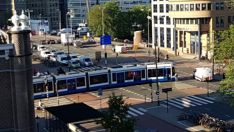 Tram ontspoord Weesperplein
