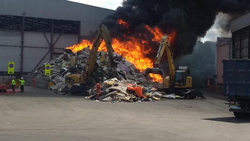 Brand afvalbedrijf Kajuitweg