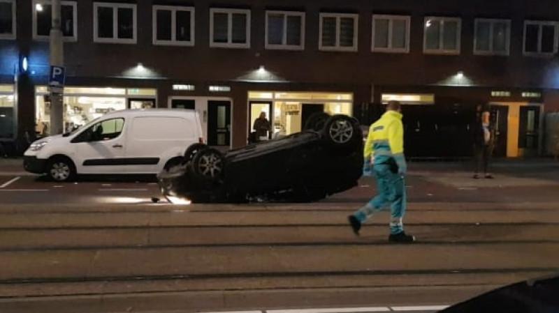 ongeluk, postjesweg, auto op de kop, 6 oktober 2019