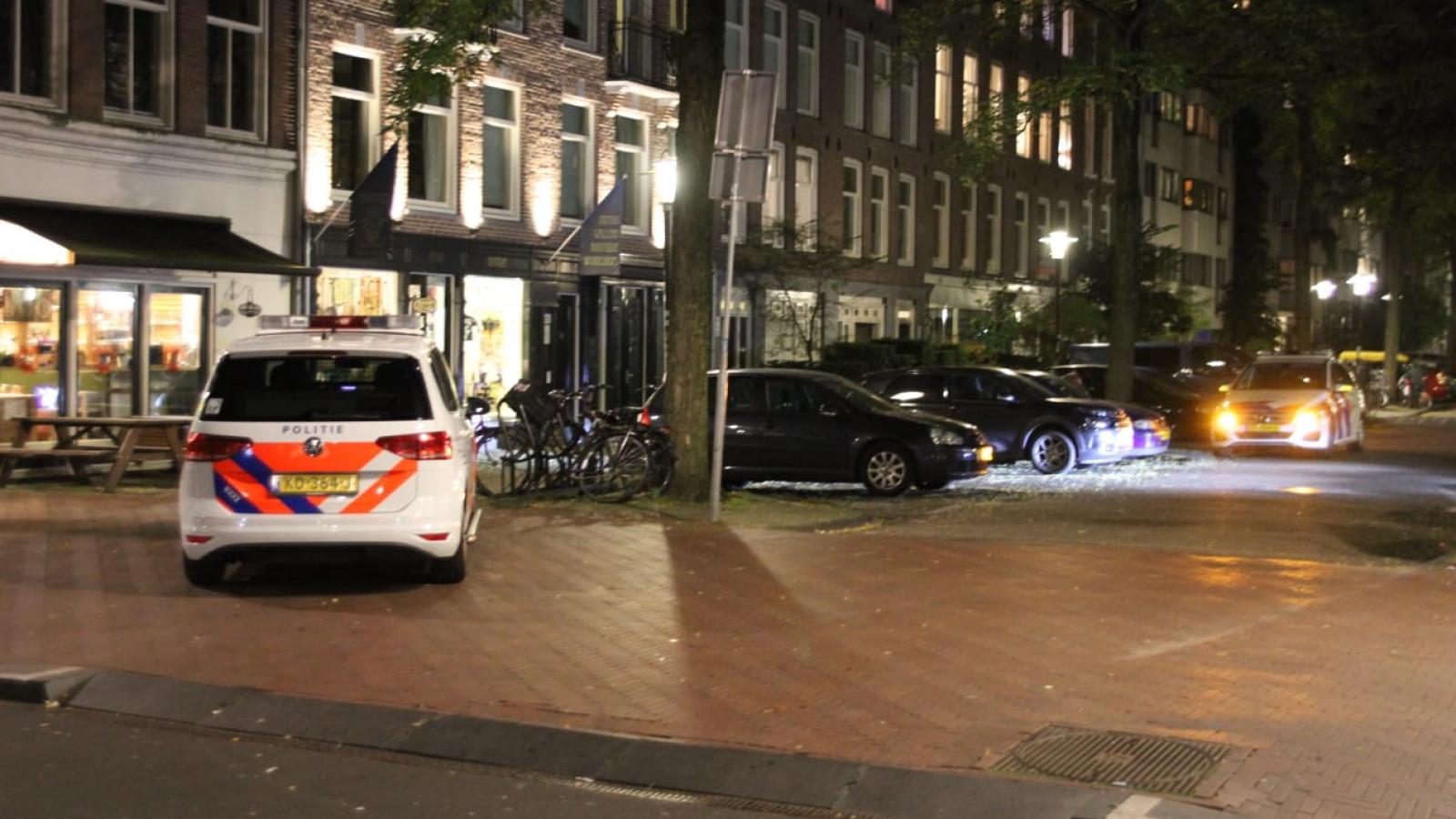 @Aethonaia En een halfuur later in Amsterdam:. Zonder wapens deze keer, dat dan weer wel.